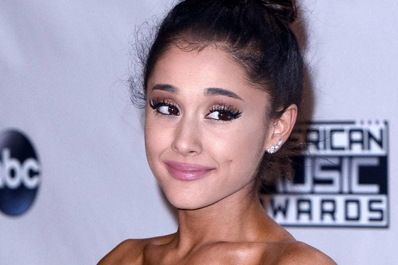 The Worst Celebrity Makeup Fails In Red